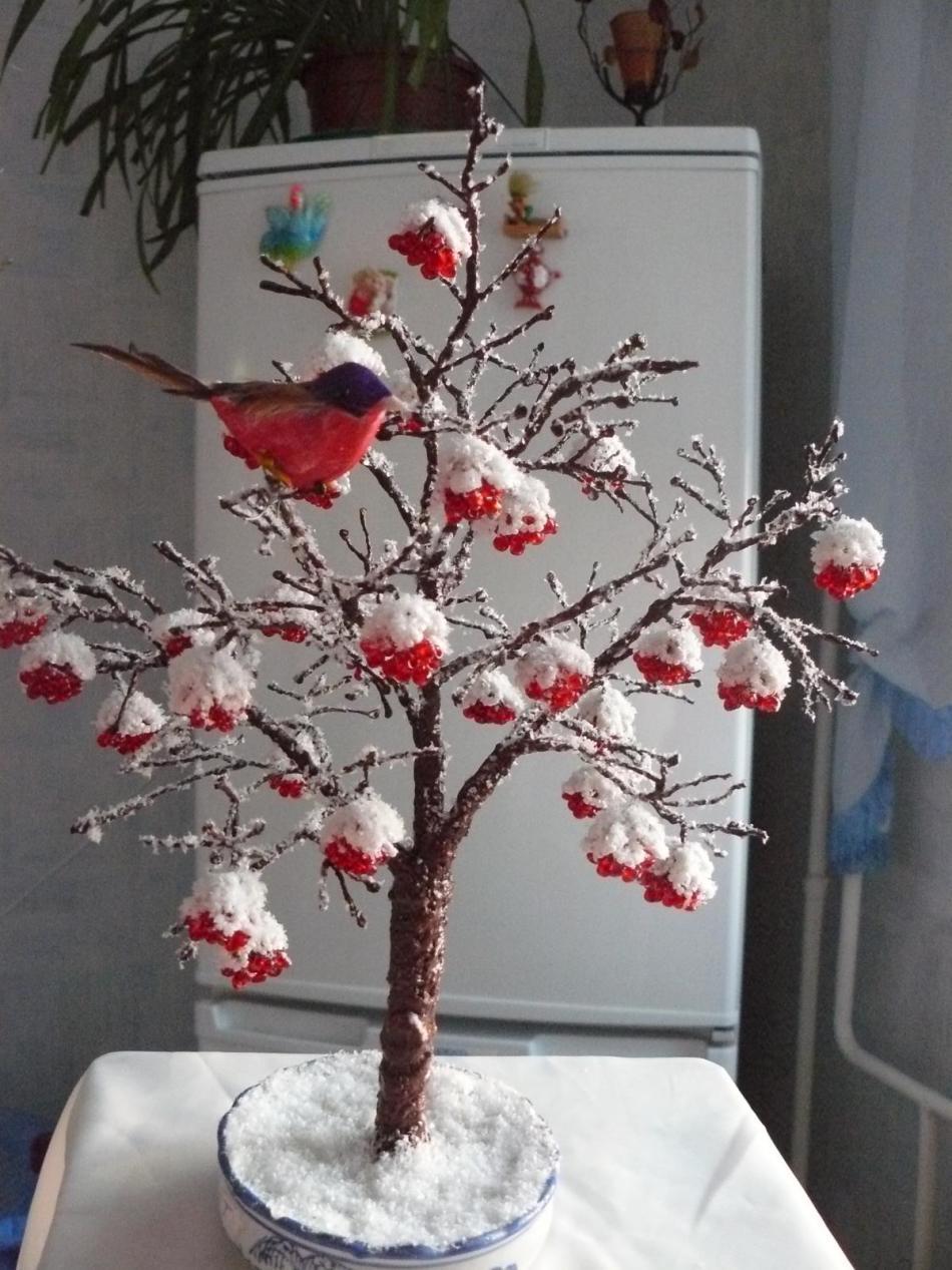 ryabina-v-snegu-iz-bisera Деревья из бисера своими руками