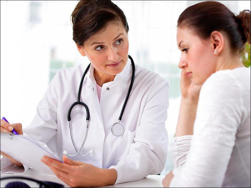 Для лечения хламидиоза врач назначен специальную схему приема препаратов