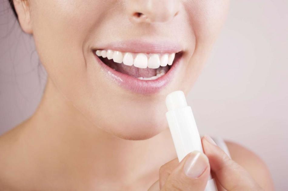 Бальзам для макияжа губ обязателен