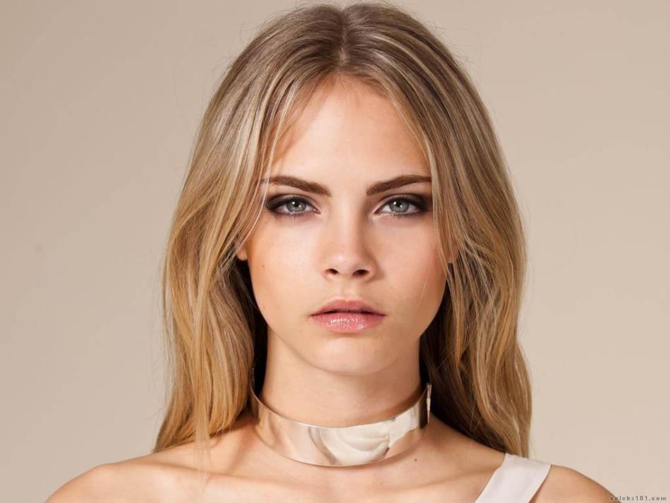 Кара делевинь - модель и актриса. обладательница пепельно-русых волос и зеленых глаз
