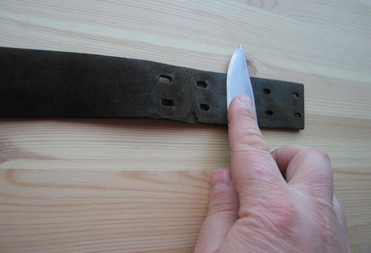 Реанимировать нож можно о кожаный ремень